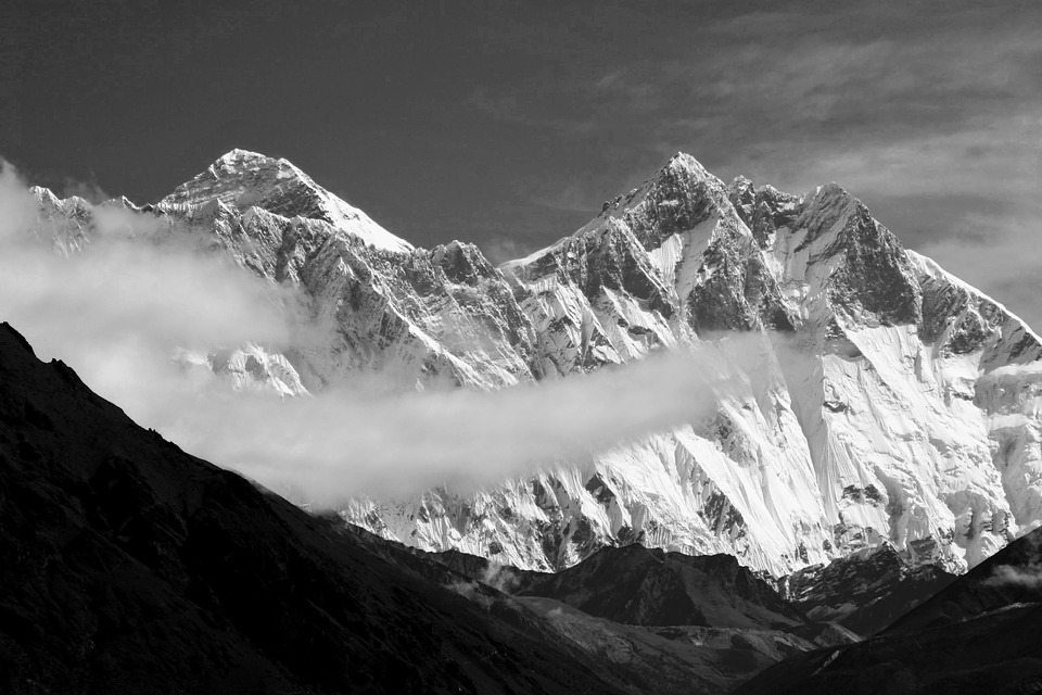 Mount Everest Climbing Facts in Hindi